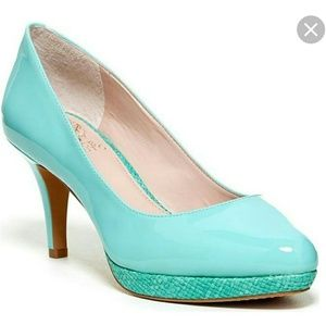 Vince Camuto mint green pumps